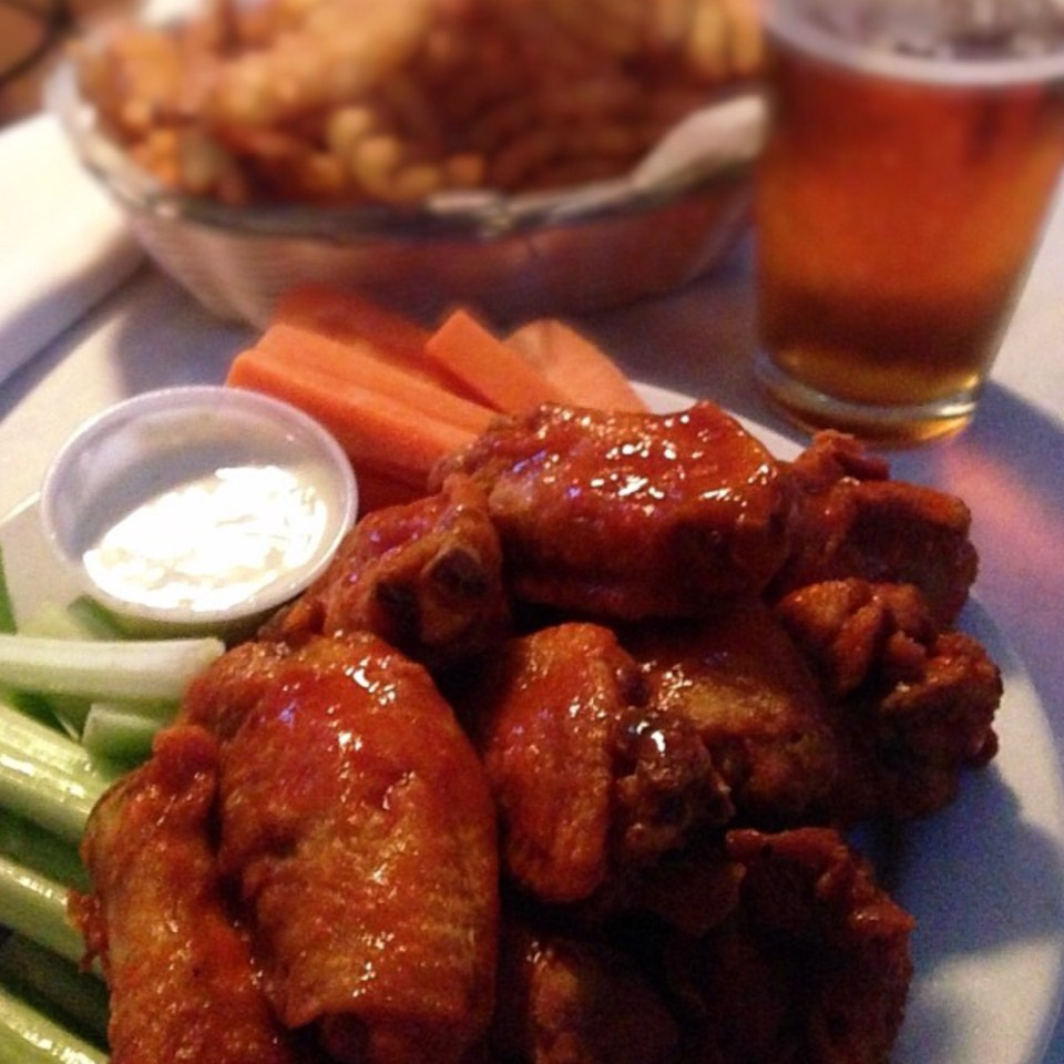 8 Best Wings in NYC